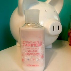 Cashmere and snowflakes Bath and Body works